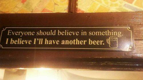 Berea nu e făcută să o bei cu oameni proști